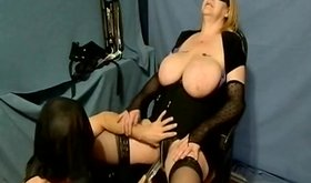 Bbw skank gets a great massage from her slave