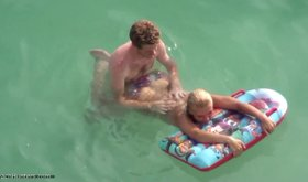 Blond-haired babe gets kind of fucked underwater by her BF