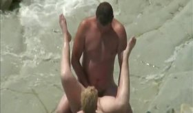 Wife gets pussy slammed on a sea cliff