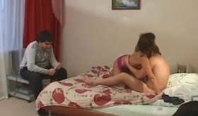 Intoxicating amateur gf in hot lingerie indulges in threesome